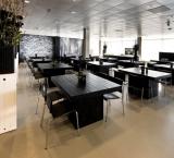 AutoRAI  2011 - Foto 4 - Sfeereiland zwart met luxe decoratie