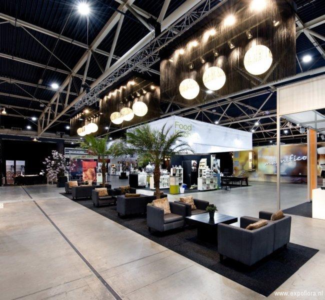 Beleef Koffie 2011 - Foto 2 - Zitplekken met grijze fauteuils