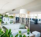 DTM Race Zandvoort - Foto 3 - Lounge setting met berken-afscheiding