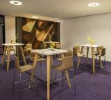 IBC 2018 - foto 5 - VIP Lounge nieuwe connect tafels