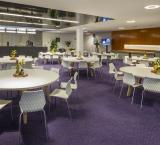 IBC 2018 - foto 11 - VIP Lounge ronde tafels