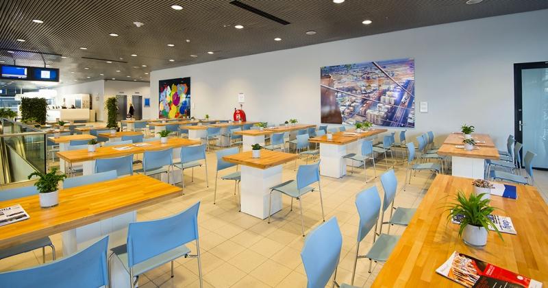 ISE 2016 - Foto 10 - Terras BeukenWood tafels