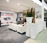 Mets 2012 - Foto 3 - Exposanten lounge met luxe kolomdecoratie