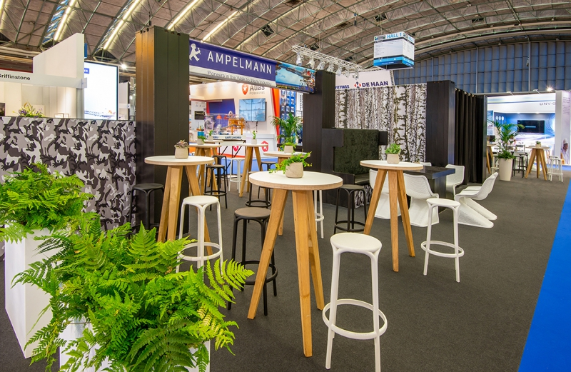 Offshore Energy 2018 - foto 3 - Bar area hal 1