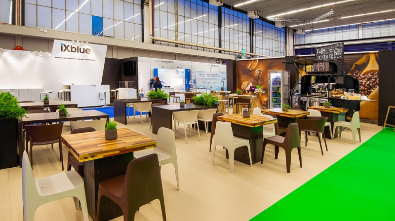 Offshore Energy 2018 - foto 6 - Bar area hal 2 Koffie terras